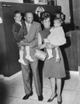 Frank Robinson arrives at LAX