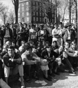 A student crowd listens to the announcement of the end of the Hopkins Hall occupation, 1969