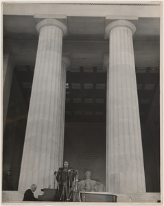Marian Anderson sings at the Lincoln Memorial, Washington, D.C.