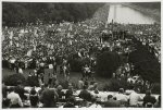 [Press group and crowd at the March on Washington]