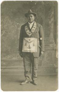 Photographic postcard of Daniel Hendricks in Masonic regalia