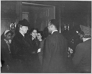 Eleanor Roosevelt and Richmond Barth at portrait exhibit
