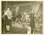 """[Performance of the """"Sweethearts"""" in St. Louis in 1944] [black-and-white photoprint]"""