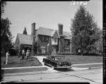 Federal agents seize Nat King Cole's Hancock Park home, Los Angeles (Calif.)