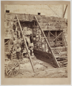 Washington Monument, workers on the foundation