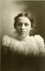 Portrait, Princeton, MA - Roper Family - Edith Belle Roper, 1899