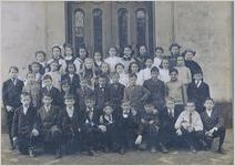 A black and white image of an unknown Massie School class from the early 1900s