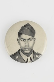 Photographic Button Depicting an African-American Soldier