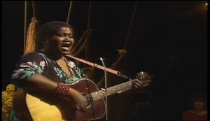 """Odetta Gordon performs """"Give Me Your Hand"""""""