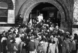 Students crowd the steps of Hopkins Hall, 1969
