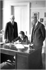 Affiliation signing, 1929