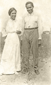 "02. 1900s, Evelyn Gertrude (Foster) McCurdy and LeRoy ""Roy"" Nelson McCurdy"