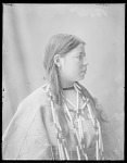 Side view Assiniboin girl 1904