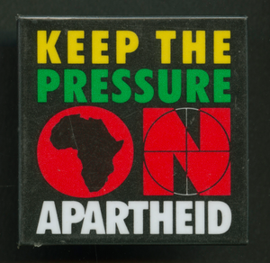 Pinback button protesting apartheid