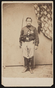 [Unidentified soldier in Union cavalry uniform with saber]