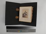 page, carte-de-visite album