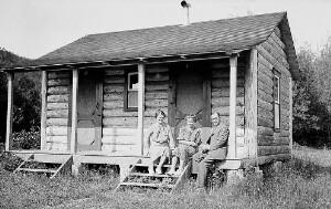 Corinne, Ruth, and Jackson Davis