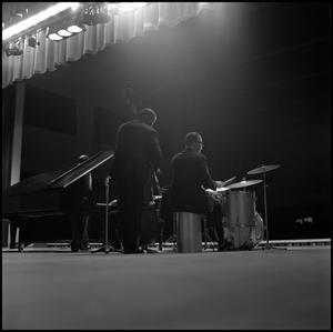 [Dave Brubeck Quartet performing for crowd]