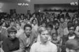 Students listen to comedian Gregory Dick at USC
