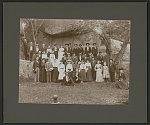 [Civil War veterans and their families at a reunion at Devil's Den, Gettysburg]