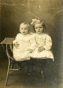 Portrait, Princeton, MA - Roper Family - Mary Alice Roper & Julia Adeline Roper, c 1906