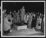 Dalton Trumbo addresses a crowd protesting his prison sentence, Los Angeles, 1950
