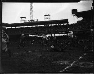 Howard-Lincoln [football] game [at Griffith Stadium], Nov[ember] 1948 [cellulose acetate photonegative]